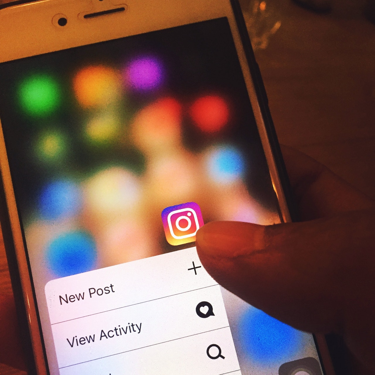 16 Surprising Effects of Social Media on Mental Health